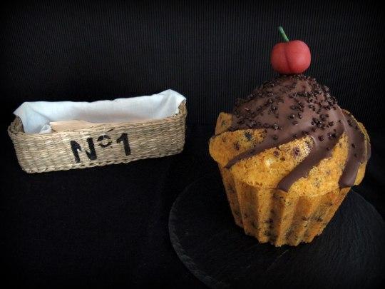 Bundt Cake de vainilla y nata con chocolate